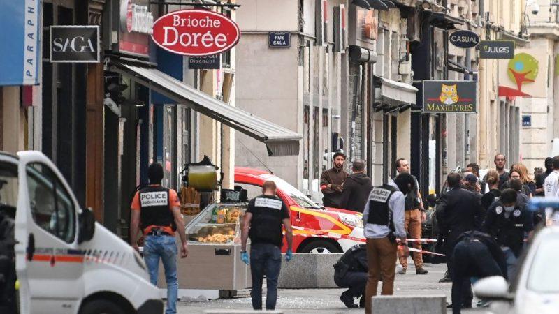 法国里昂包裹炸弹爆炸 螺丝、钉子四射酿13伤