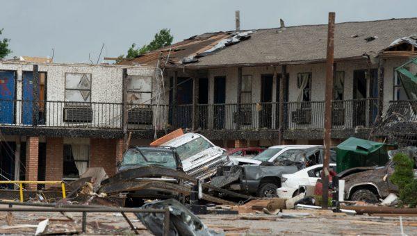 时速219公里龙卷风强袭 奥克拉荷马州至少2死29伤
