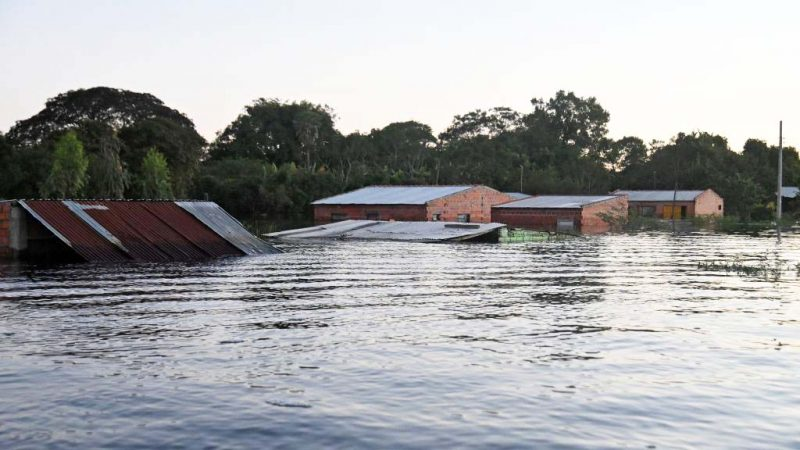 豪大雨致河水氾濫 巴拉圭7萬人被迫撤離