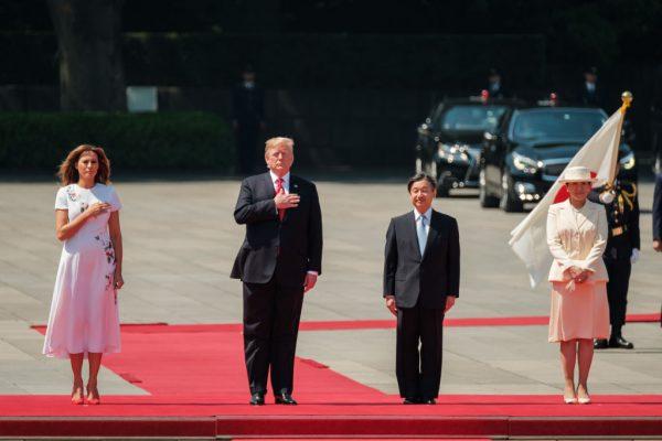 川普伉俪赴东京王宫 与新日王伉俪首次会面