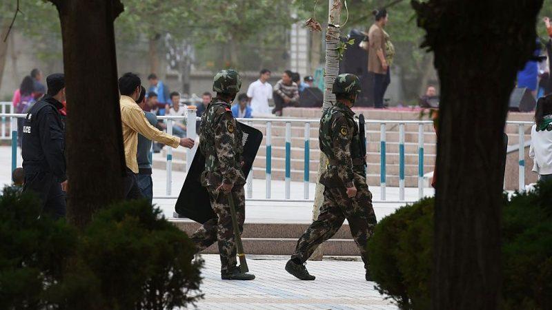 """首用纳粹""""集中营""""词汇 美官员痛批新疆关押300万维族人"""