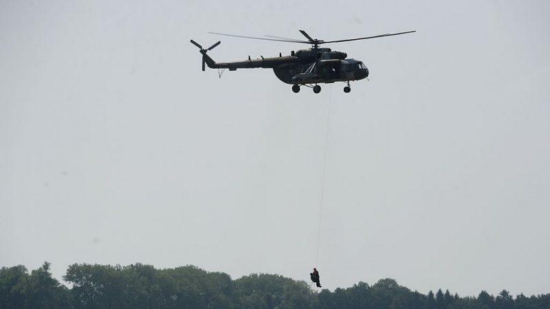 参与灭火作业 墨西哥一架军用直升机坠毁5死