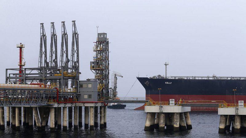 阿联酋港口传爆炸声 多艘油轮起火 当局否认