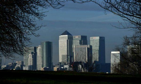 贸战冲击富裕阶层 中国富豪移民英国暴增45%