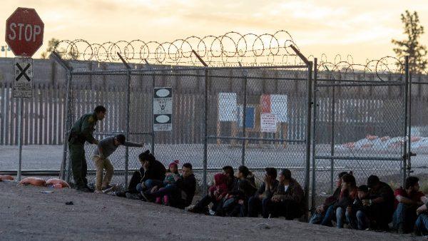 《纽时》一反常态 承认边境危机并敦促国会拨款