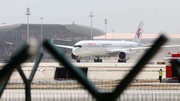 北京上空惊魂 飞机绕圈乘客尖叫