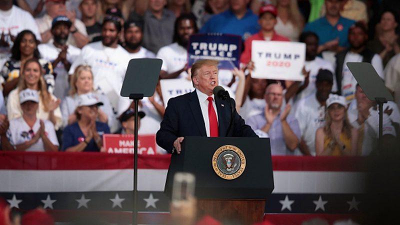川普重启关税打击中共 美国两党一致称赞