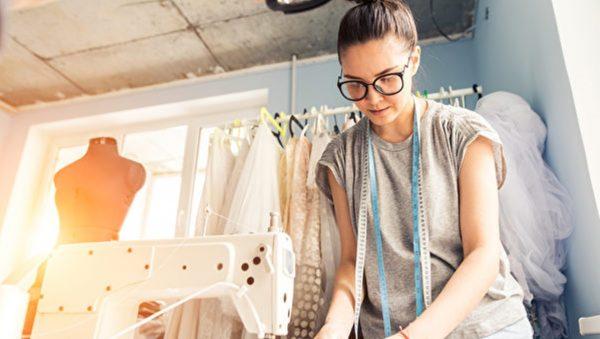 女裁縫的別樣生意經
