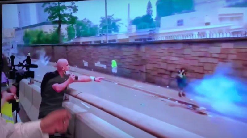 《石涛聚焦》外国记者怒骂开枪港警:你在射击记者