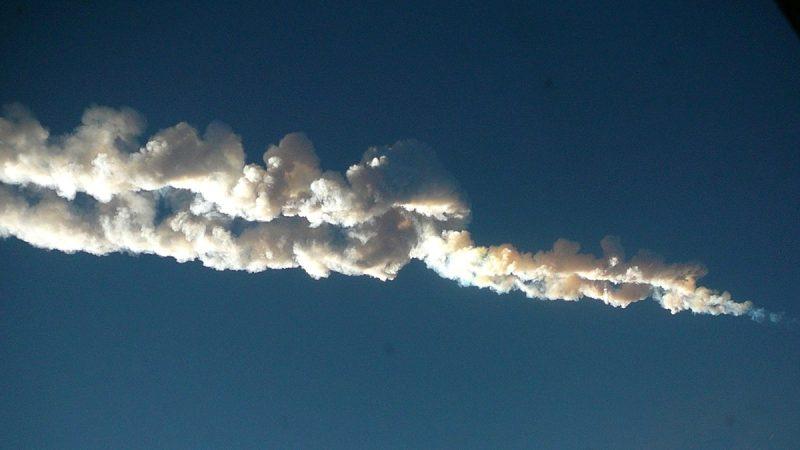 行星撞地球重演?一顆天外飛星正向地球靠近