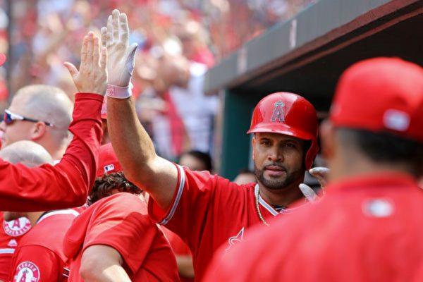 MLB普荷斯聖路易開轟 全場球迷致敬