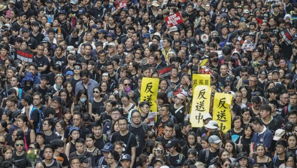 袁斌:香港反送中大游行为何再破纪录?