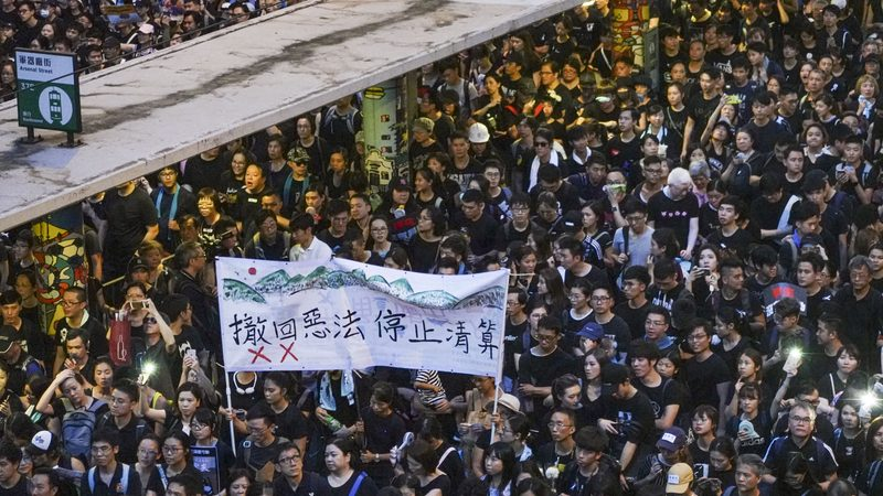 石涛:特区首席智囊 承认修例完全失败
