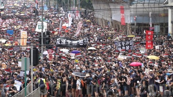 组图(2):香港反送中 200万人大游行 (32图)