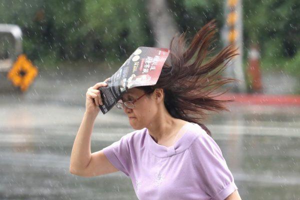 梅雨鋒面靠近台灣 吳德榮:恐帶來致災性降雨