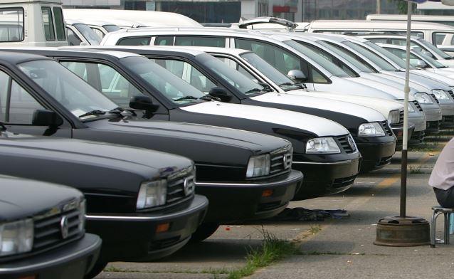 买一送一 大陆车企车商为何忙倾销库存?