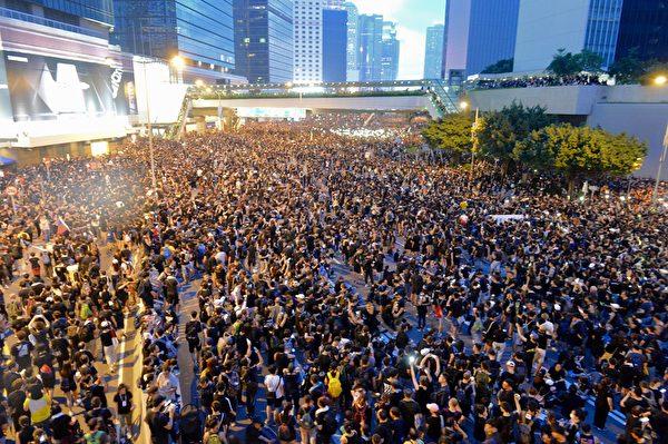 孔诰烽:击退送中恶法的,其实就是这几万名年轻前锋