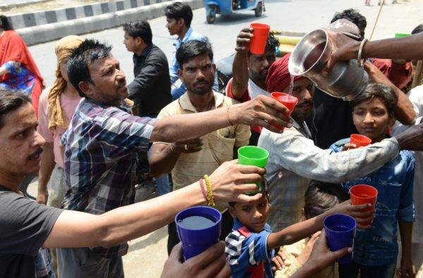 印度高温直逼摄氏50度 一农夫中暑身亡