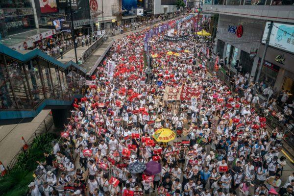深圳公司「祝福香港」 循環播放《海闊天空》力挺反送中