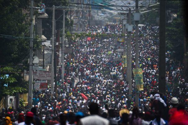 海地游行示威 高喊涉贪总统下台