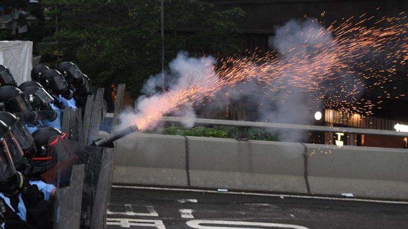 《石濤聚焦》香港媽媽-城姐撕心裂肺祈求港警:收隊啦 不要再射殺孩子啦