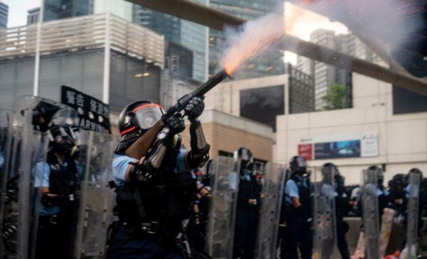 偌大个中国,只有香港人才配称之为人,英美快出兵救香港吧!