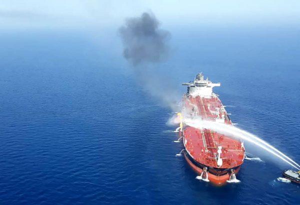 2艘油輪遇襲 安倍:不論攻擊者是誰都嚴厲譴責