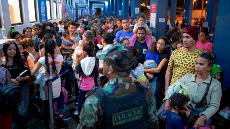 委内瑞拉移民逃离贫穷 智利民主责任助签证
