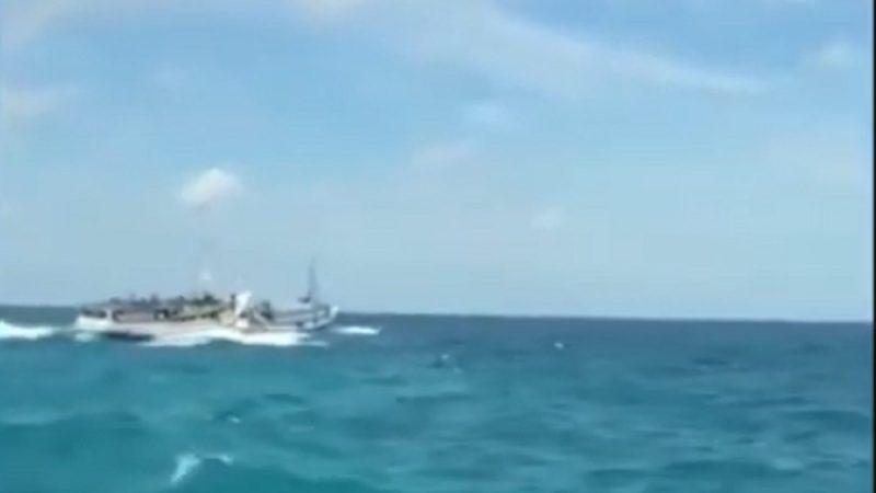 印尼爪哇客轮疑超载翻覆 15死至少3失踪