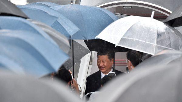 习近平访日又出状况 雨伞遍地开花惹联想