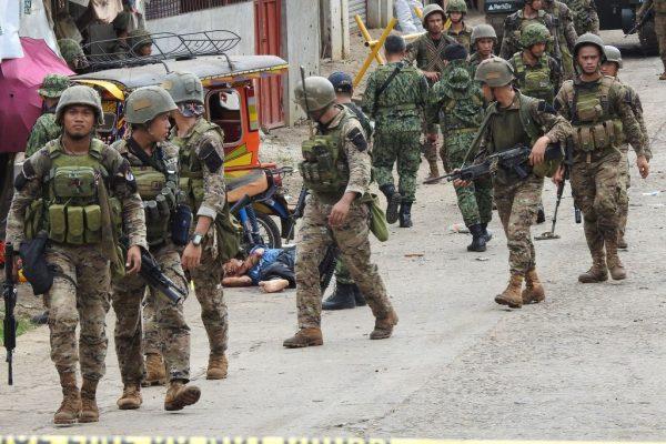 菲南軍隊遇襲釀5死9傷 IS稱犯案