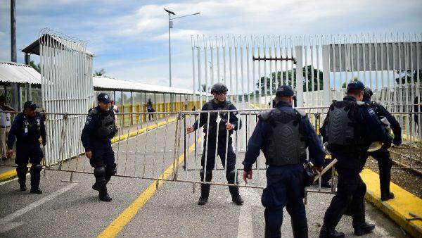 川普关税效果立竿见影 墨派6000士兵拦非法移民