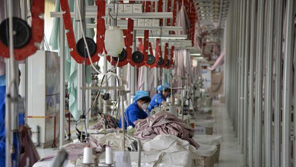 """中国企业纷纷停工 无奈迎来""""贸易战假期"""""""
