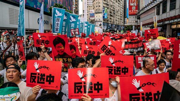"""何与怀:香港""""一国两制"""" 是让台湾信服还是使她警醒?"""