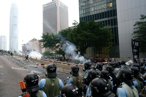 《石濤聚焦》「港警-速龍小組 摻雜中共軍警 幾乎被做實」故意撤銷警員警號