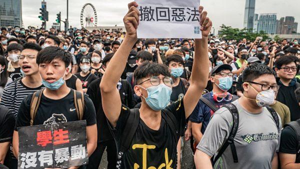 """习警觉情报有误?传北京派""""探子""""参加香港游行"""