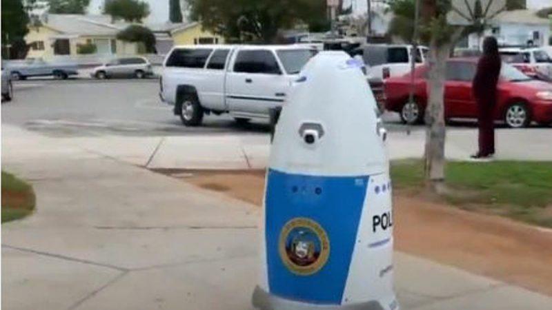 机械战警啥模样?南加州警局警察机器人入职(视频)