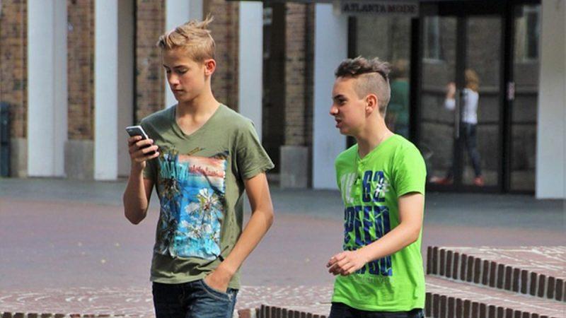 心理專家談社交媒體(上):讓青少年喪失健康的自我認知