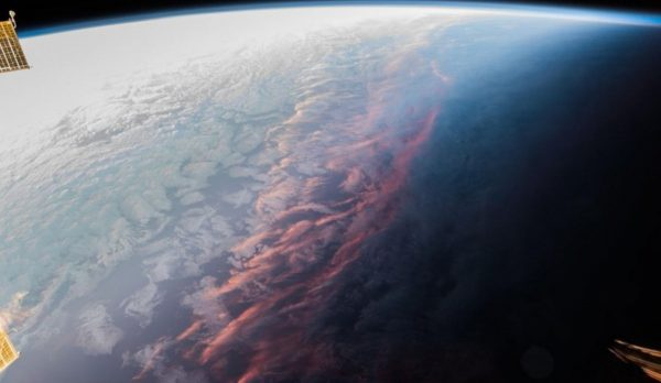 从太空看晚霞 绝世美景照获万人点赞(组图)