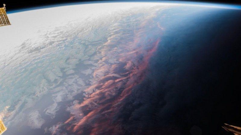 從太空看晚霞 絕世美景照獲萬人點贊(組圖)