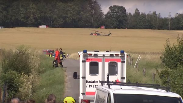 德军用直升机坠毁 飞官1死1伤