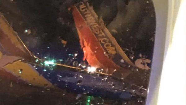 西南航空2客机机翼碰撞 疏散乘客无人伤