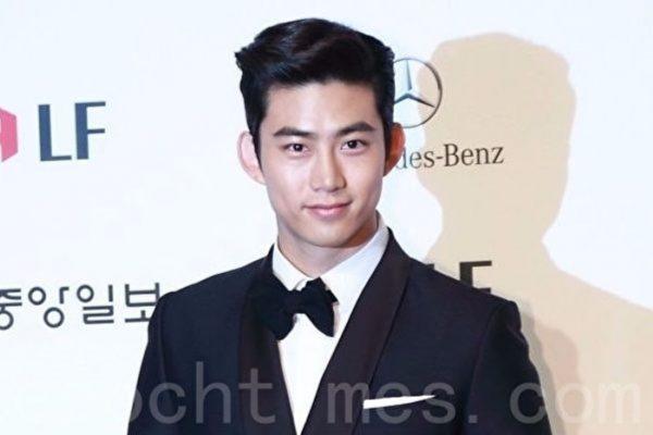 2PM全员受辱骂骚扰 泽演请粉丝帮忙找犯人