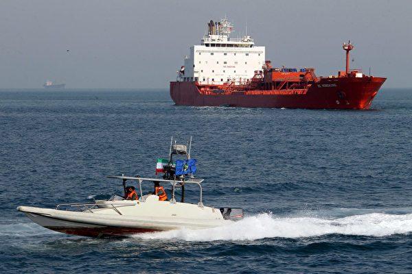 无视制裁?数百万桶伊朗石油运往中国港口