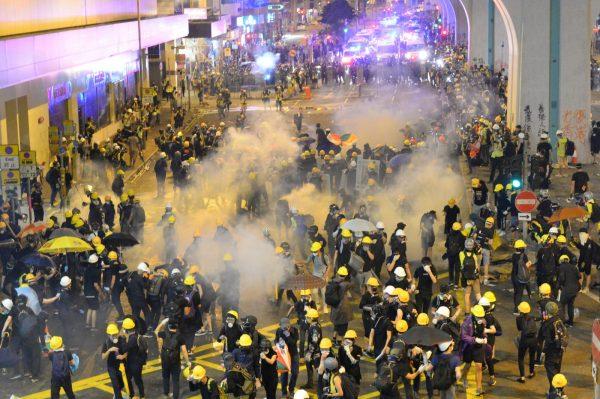 港721大游行 警武力清场 元朗白衣人施暴