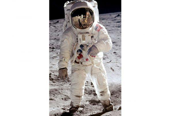 阿波罗11号登月 为科技带来巨大改变