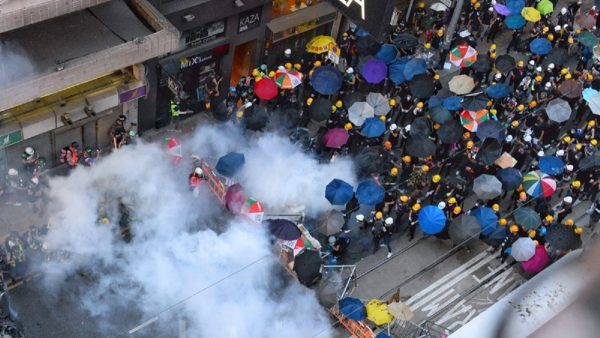 5大迹象显示香港处在历史性转折 港澳办表态无新意