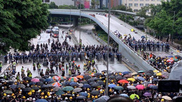 【組圖1】香港七一民眾抗議 警民對峙