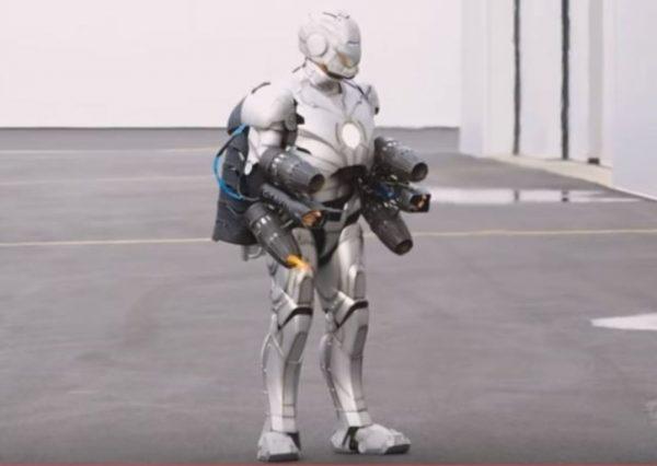 電影《鋼鐵俠》中盔甲造出來了 還能載人起飛