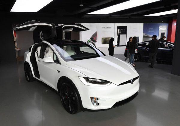 想要買一輛特斯拉Model 3?